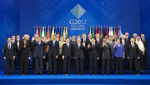 Group photo of the participants of the G20 meeting in Los Cabos, Mexico